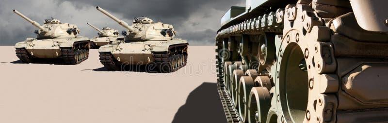 Tanques da guerra do exército de Estados Unidos no deserto foto de stock