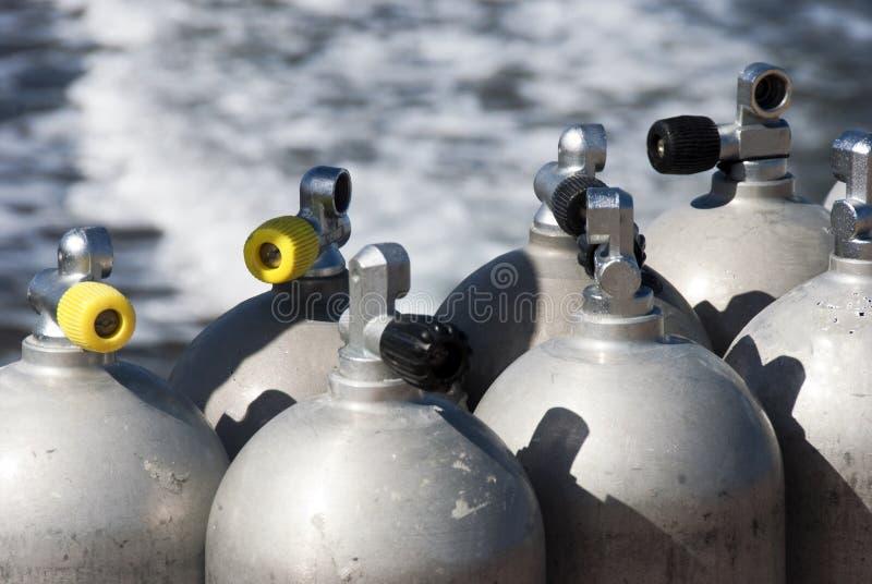 Tanques de oxigênio do mergulhador imagens de stock