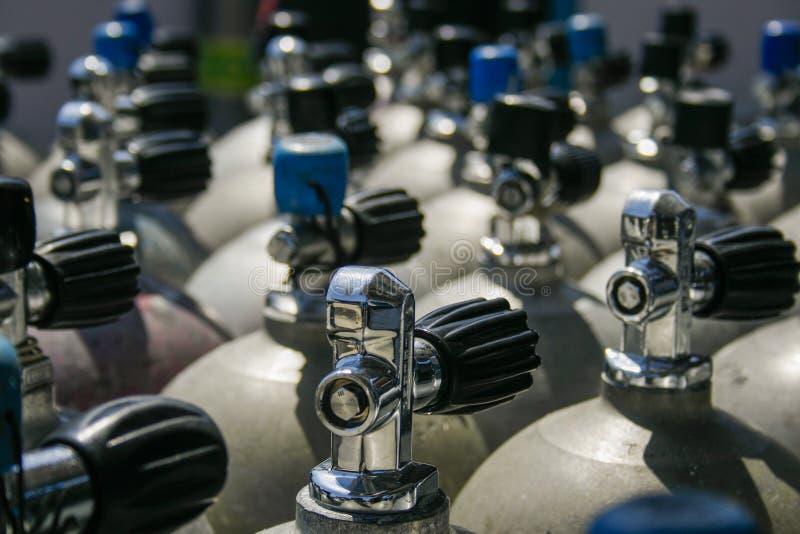 Válvulas dos tanques do mergulhador fotos de stock royalty free