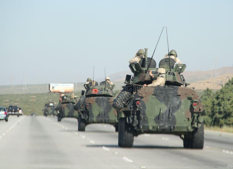 Tanques na estrada imagens de stock royalty free