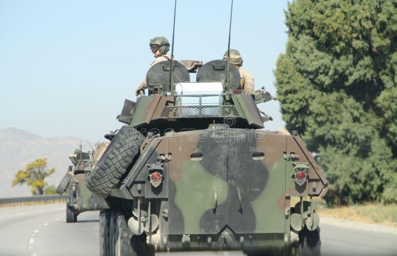 Tanques na estrada imagem de stock royalty free