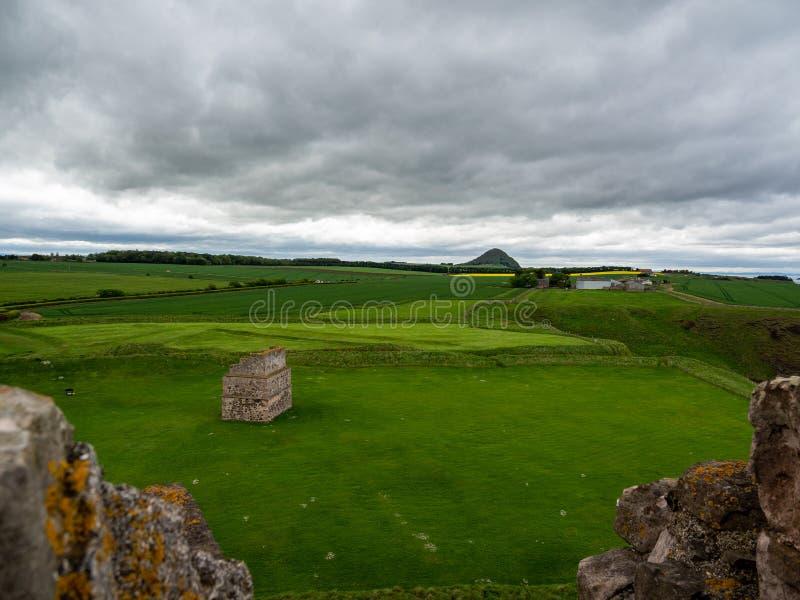 Tantallon Castle, mid-14th-century Scottish castle, North Berwick. Ruins of tantallon Castle, mid-14th-century Scottish castle, North Berwick. Historic stock photography