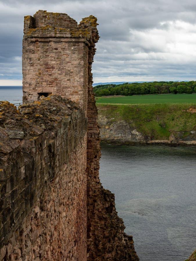 Tantallon Castle, mid-14th-century Scottish castle, North Berwick. Ruins of tantallon Castle, mid-14th-century Scottish castle, North Berwick. Historic stock images