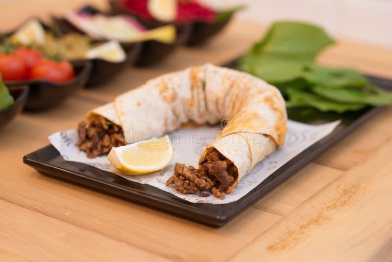 Tantuni, παραδοσιακά τουρκικά τρόφιμα στοκ φωτογραφία