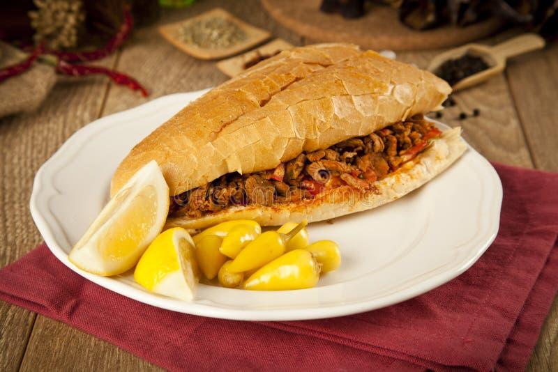 Tantuni van het vleesrundvlees is een soort traditionele Turkse kebap stock afbeeldingen