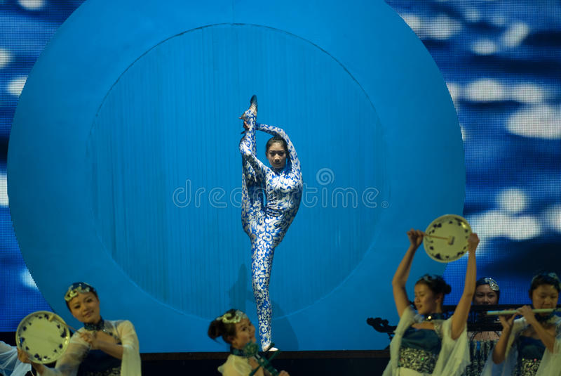 Tanz: das blaue und weiße Porzellan stockbilder