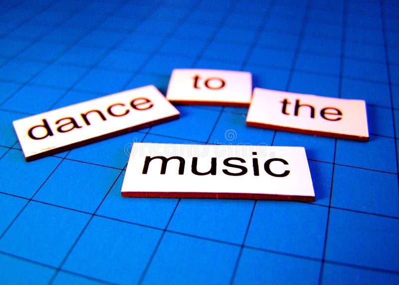 Tanz zur Musik stockfotografie