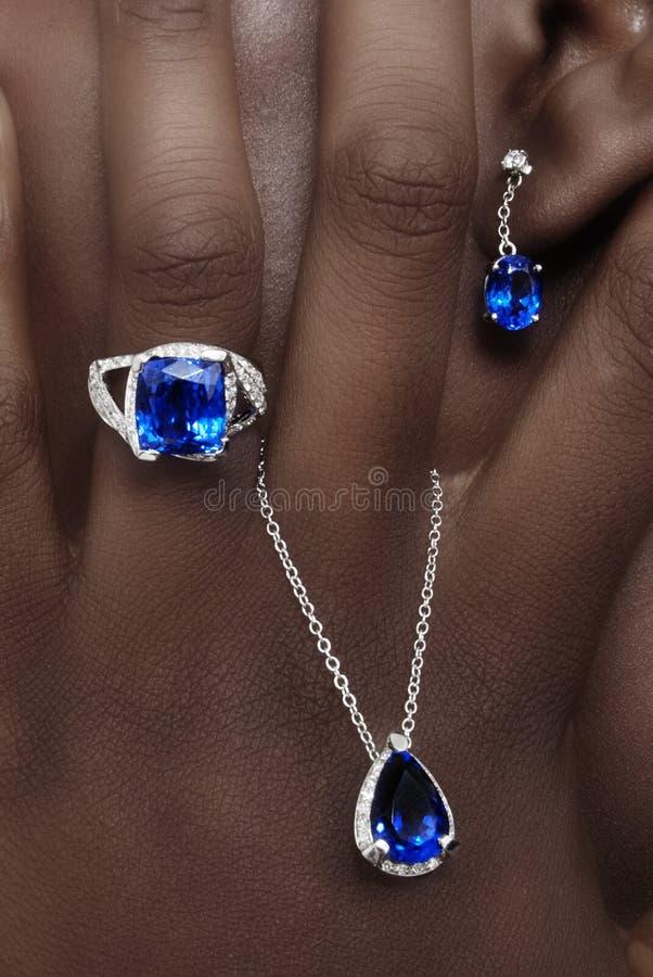 Tanzanite и украшения дизайнера диамантов стоковые фотографии rf
