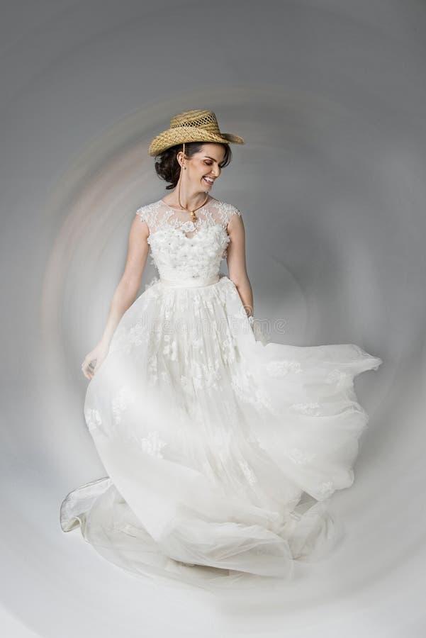 Tanzen-Braut stockfotos