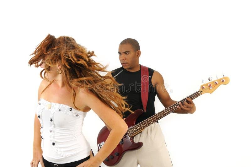 Tanzen mit dem Rhythmus lizenzfreie stockbilder