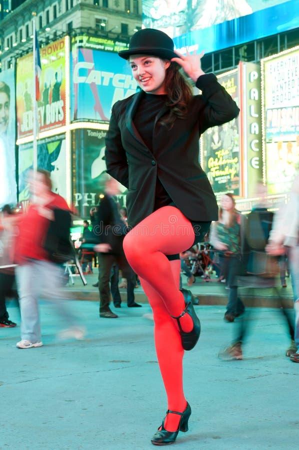 Tanzender junger Schauspielerin fördert musikalisches Chicago lizenzfreies stockbild