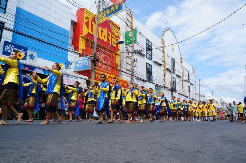 Tanzenparade stockbilder