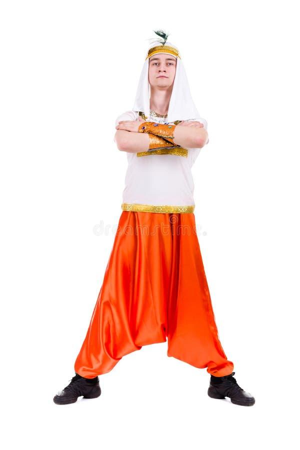 Tanzenpharao, das ein ägyptisches Kostüm trägt. lizenzfreies stockbild