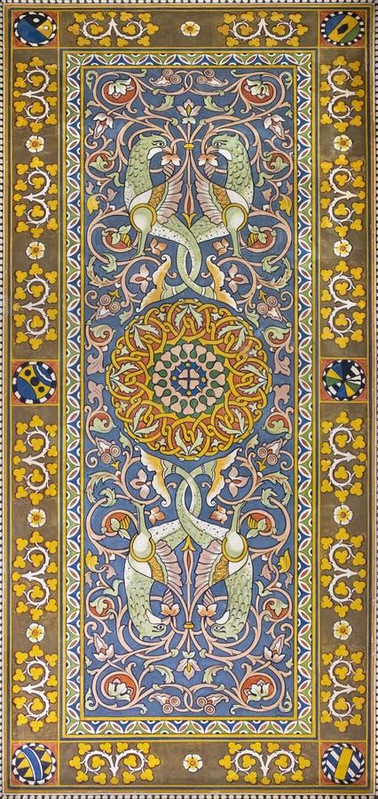 TAORMINA, ИТАЛИЯ - 9-ОЕ АПРЕЛЯ 2018: Фрески потолка от залы вокзала Giardini Naxos Salvatore Gregorietti стоковая фотография