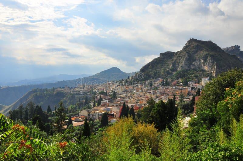 Download Taormina stock image. Image of tranquillita, storia, verde - 23258137