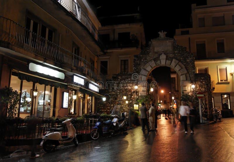Taormina entro Night immagine stock