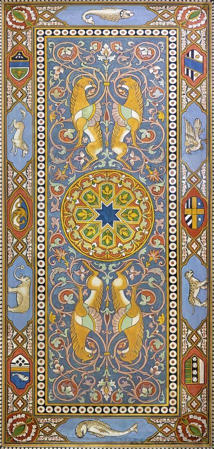TAORMINA, ITÁLIA - 9 DE ABRIL DE 2018: Os fresco do teto do salão do estação de caminhos de ferro Giardini Naxos por Salvatore Gr imagem de stock