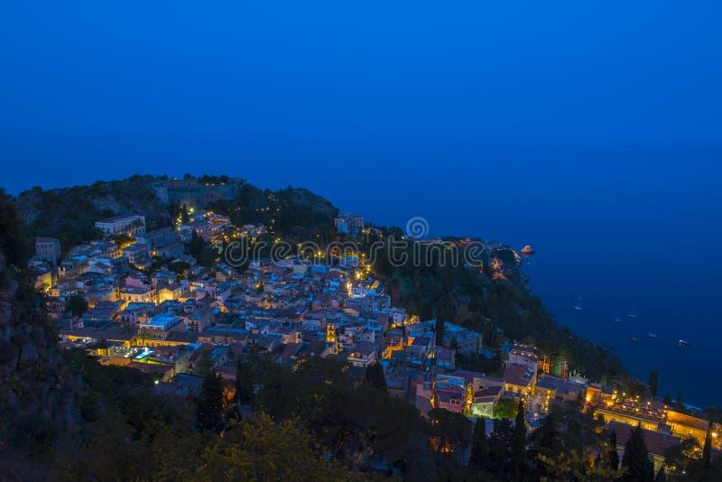 Taormina, Sicilië, bekijkt nigh royalty-vrije stock foto's