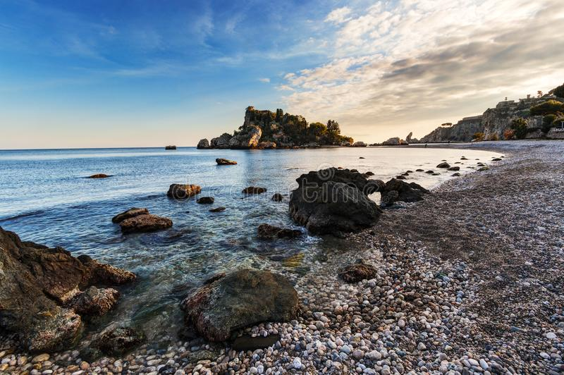 Taormina, Sicilia: Isola Bella fotografie stock