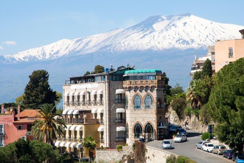 Taormina und Ätna, Sizilien, Italien lizenzfreie stockfotos