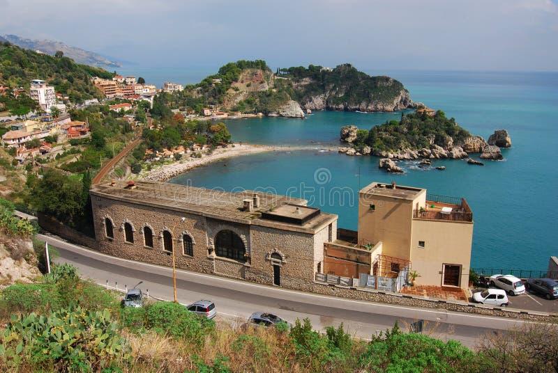 Taormina und Isola Bella (Sizilien) lizenzfreie stockfotografie