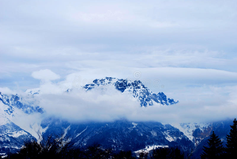 Tapa de la montaña. imagen de archivo