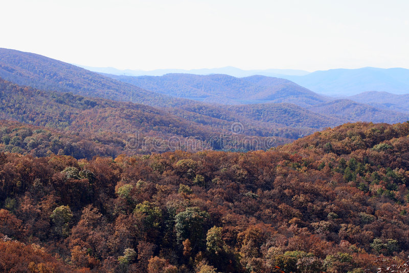 Tapa de la montaña de la caída imagenes de archivo