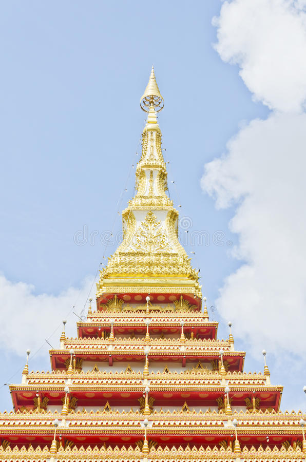 Tapa del estilo tailandés del templo en Khon Kaen Tailandia imágenes de archivo libres de regalías