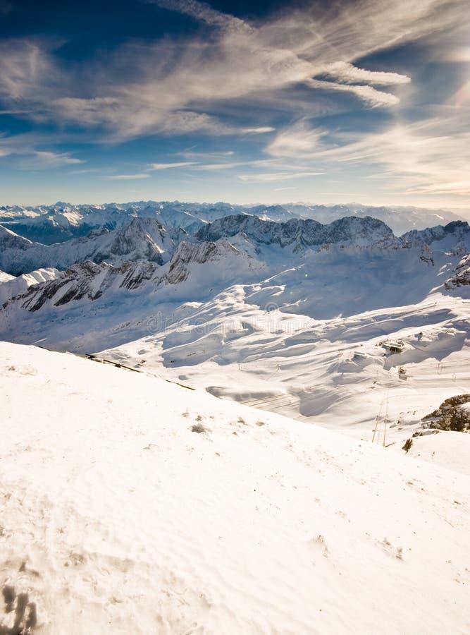 Tapa nevada de la montaña fotografía de archivo libre de regalías