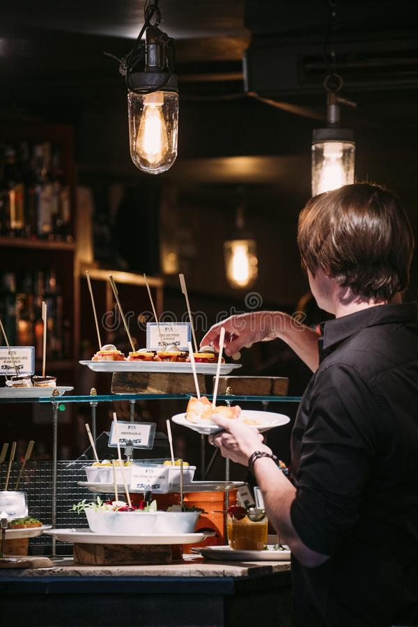 Tapas Restaurant i Soho, London arkivbild