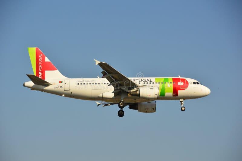 Download TAPEZ l'avion du Portugal photo stock éditorial. Image du airbus - 45350323