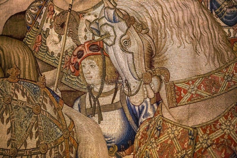 Tapicería medieval en el castillo de Ecouen, Ecouen, Francia fotografía de archivo