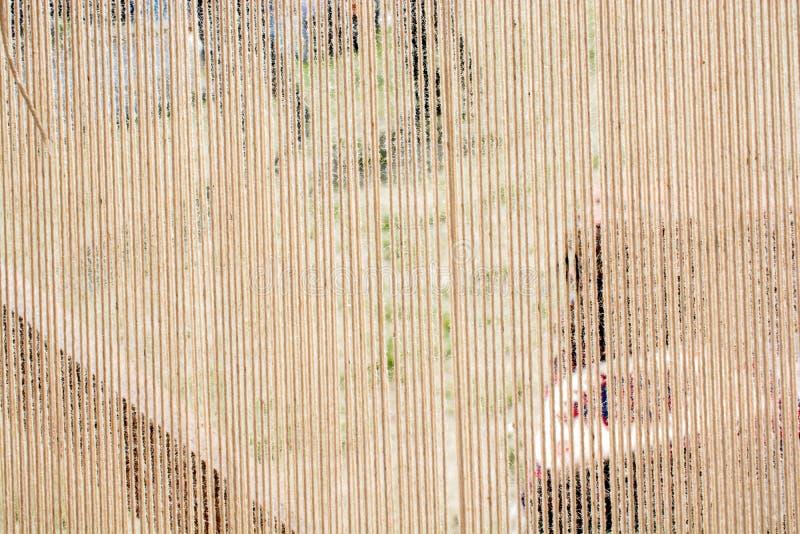 Tapijt van traditionele types op een weefgetouw royalty-vrije stock afbeelding