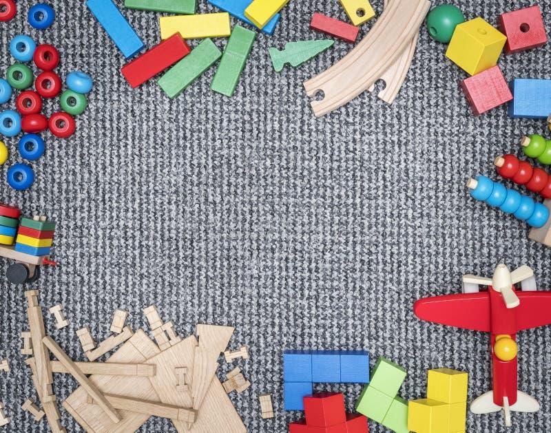 Tapis avec l'espace de copie entouré par des jouets images libres de droits