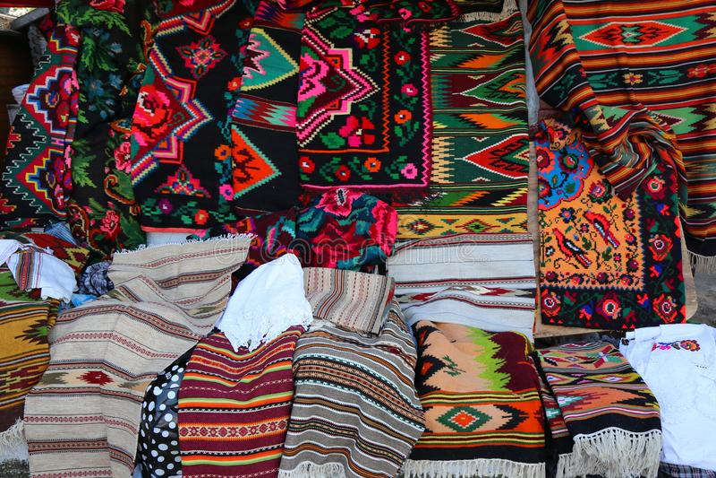 Tapis roumains traditionnels photographie stock libre de droits