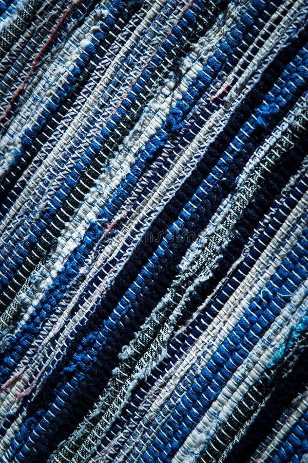 Tapis tissé bleu et blanc image libre de droits