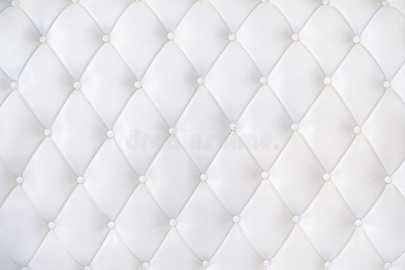 Tapisserie d'ameublement en cuir Sofa Background Sofa de luxe blanc images stock