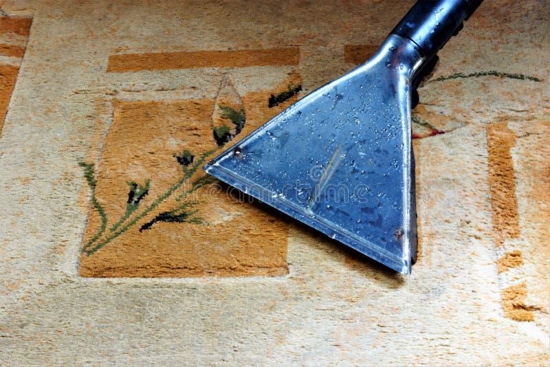 Tapissez le nettoyage de vide de nettoyage, reconstitution sanitaire propre des débris Maintenez la propreté sûre d'hygiène, enle photos stock