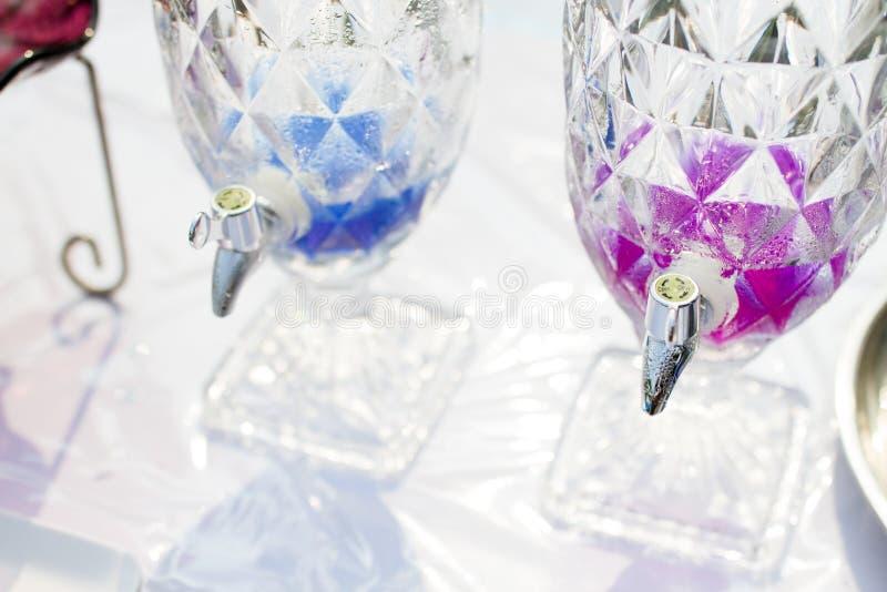 Tapkraan voor water van Duidelijke plastic Gallonkruik stock fotografie