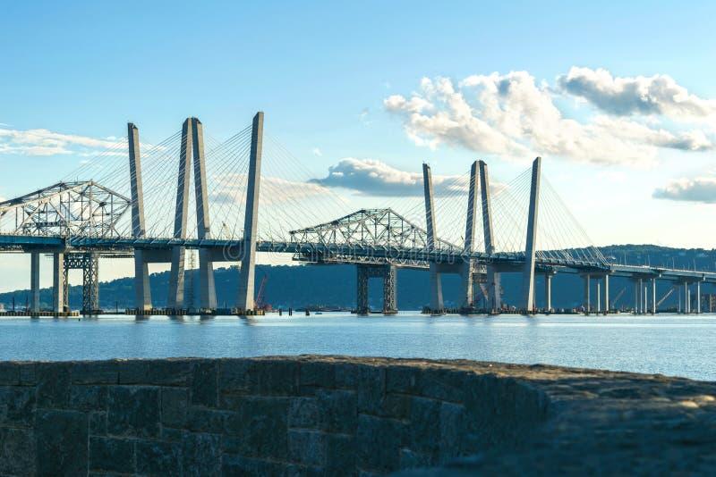 Tappan Zee Bridżowy rozciągający się hudsona na pięknym słonecznym dniu, środka strzał, Tarrytown Nowy Jork, Upstate, NY obraz stock