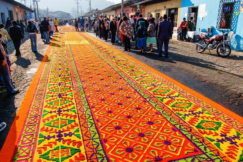 Tappeto decorato di settimana santa in Antigua, Guatemala immagine stock libera da diritti