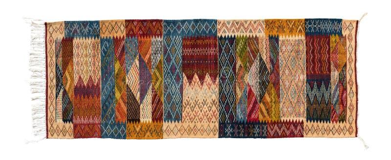 Tappeto orientale tipico di berbero isolato su fondo bianco fotografia stock