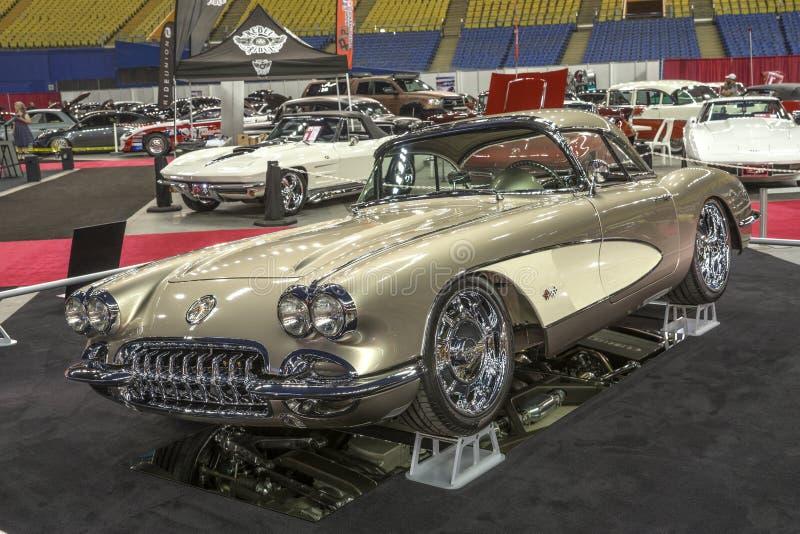 Tappning Chevrolet Corvette royaltyfria foton
