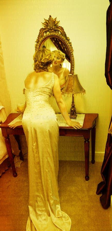 tappning för brudklänninggrunge arkivfoto