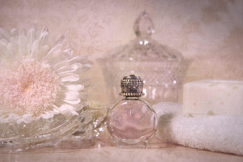 tappning för flaskblommadoft arkivfoton