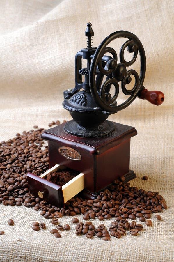 tappning för kaffegrinder arkivfoton
