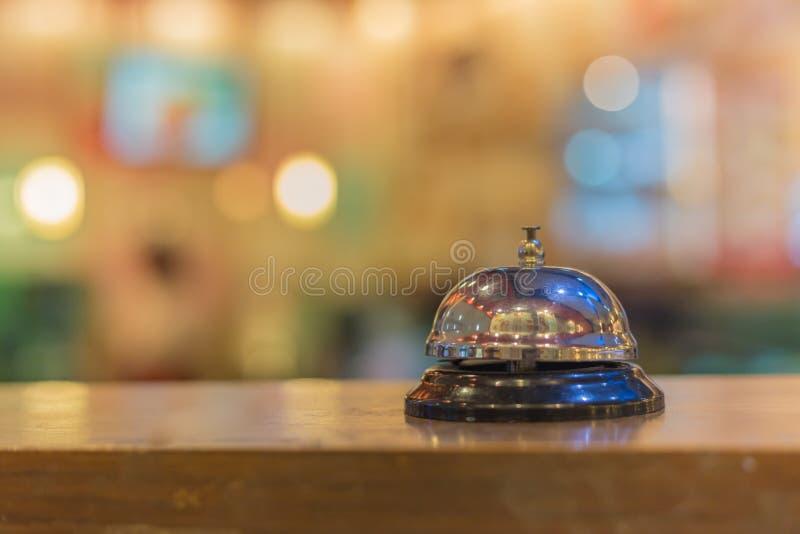 Tappning för restaurangserviceklocka royaltyfri bild