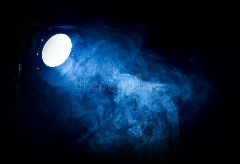 tappning för teater för ljus projektor för stråle blå fotografering för bildbyråer