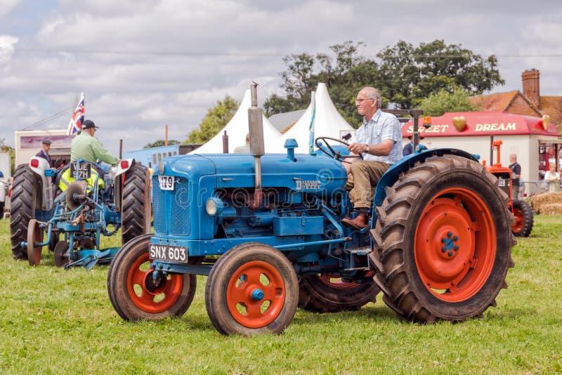 Tappning Fordson Major Tractor royaltyfri foto
