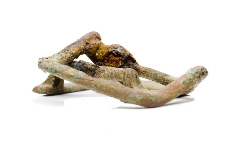 Tappning och skadad rem, buckla som isoleras på vit arkivbild